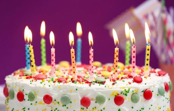 Картинки тортов с днем рождения со свечами