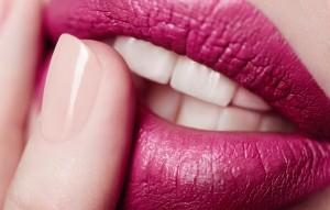 Как выровнять зубы без брекетов: 5 эффективных способов