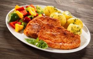 Что приготовить на ужин из свинины и картофеля